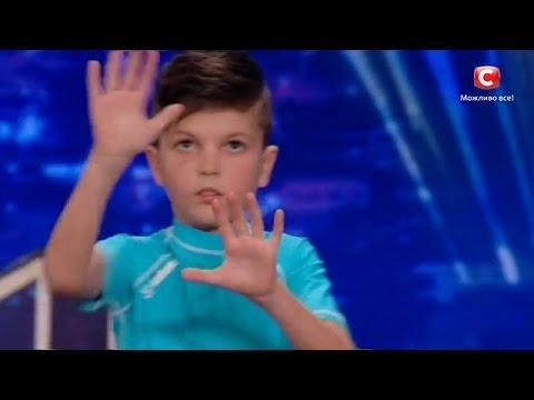 """Дима Печенкин - Танец робота """"Україна має талант-8"""".Діти [26.03.2016]"""
