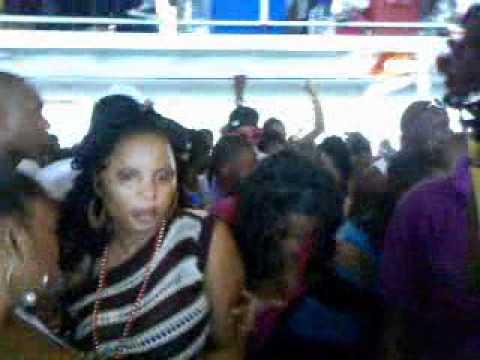 trini passa passa boat cruise