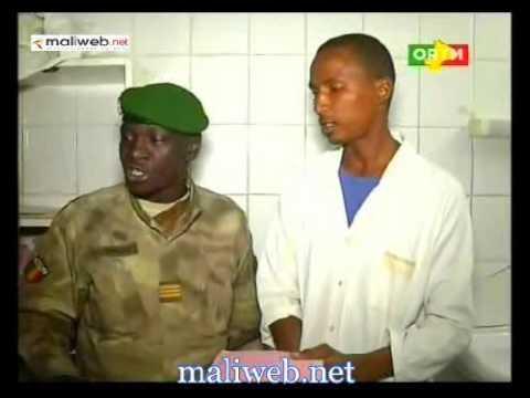 Visite du Capitaine Amadou Aya sanogo aux blessés de l'armée malienne
