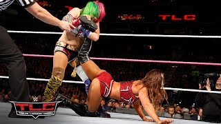 Download Asuka makes her explosive WWE debut against Emma: WWE TLC 2017 3Gp Mp4