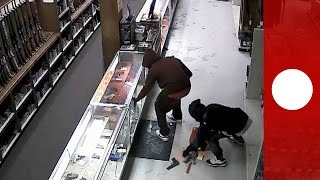 Gang burgle 50 firearms from gun shop in 2 minutes, Houston