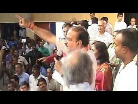 Ananth Kumar-Nandan Nilekani debate abandoned after chaos
