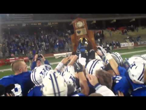 Highlands Hoists State Championship Trophy (12/03)