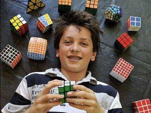 Feliks Zemdegs - Rubik's Cube Former World Record Average Solves