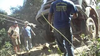 Auto Socorro Bandeirante resgata caminhão em ponte zerado parte 1