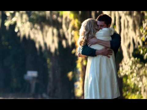 El Ultimo Romántico. Que Mundo Loco   Luciano Pereyra video