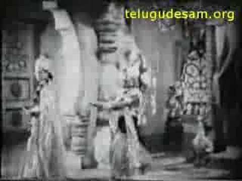 15_NTR GUMMADI SCENE IN NTR VINAYAKA CHAVITHI