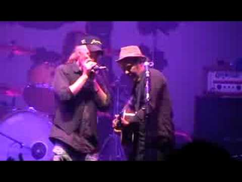 Levellers - A Life Less Ordinary & Carry Me