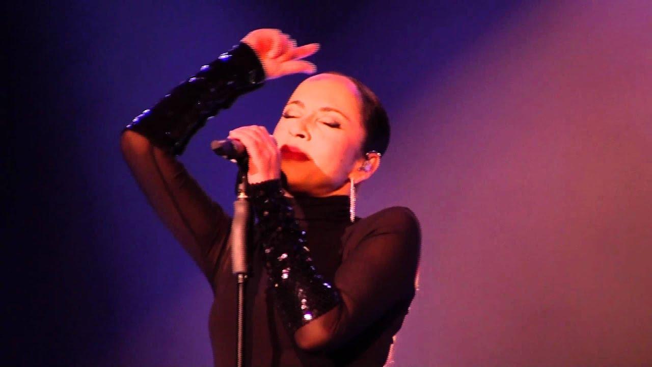 Sade Concert @ ChulaVista - YouTube