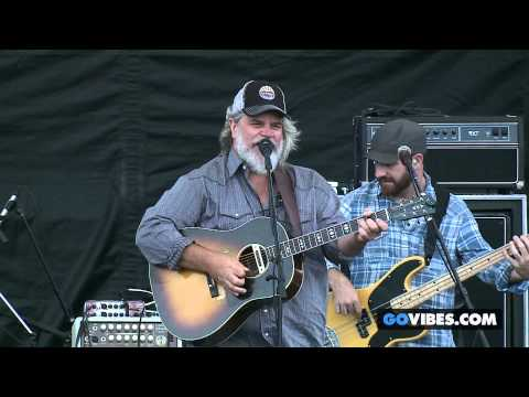 "Leftover Salmon performs ""Pasta On The Mountain"" at Gathering of the Vibes Music Festival 2014"