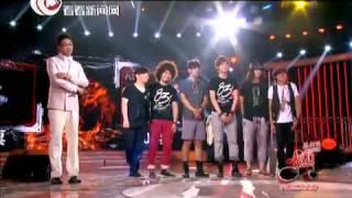 【巅峰对决】声动亚洲20120830:常石磊PK八三夭乐团.mp4