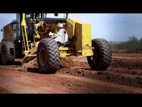 Cat  Motor Graders for Contractors -- Making the Grade
