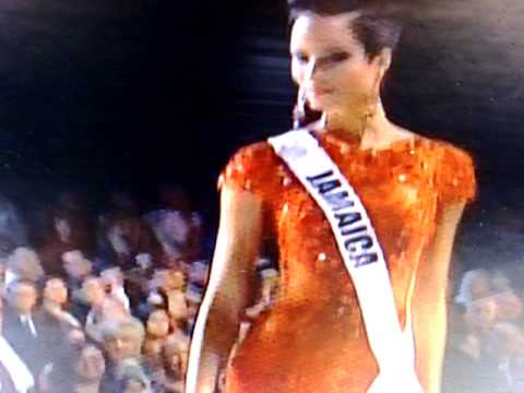 Miss Universe Gavin Degraw sing fire