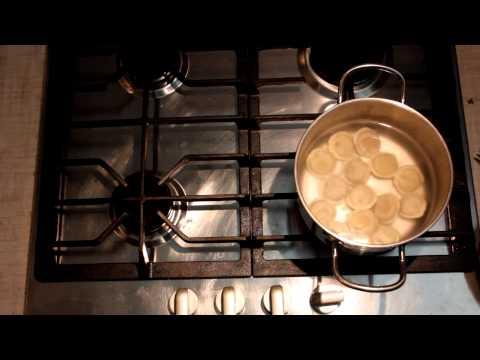 Как правильно варить пельмени - видео
