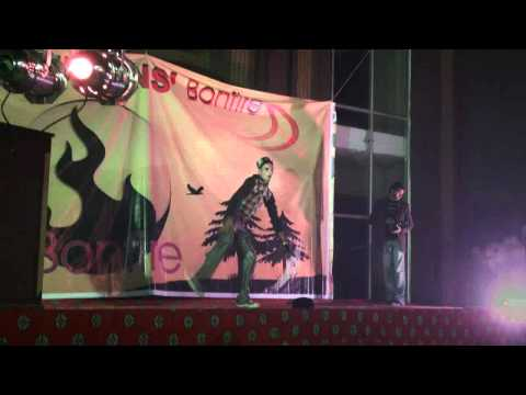 Siit College Sialkot (Allo Chaat dance) Zeshan on Bonfire Party