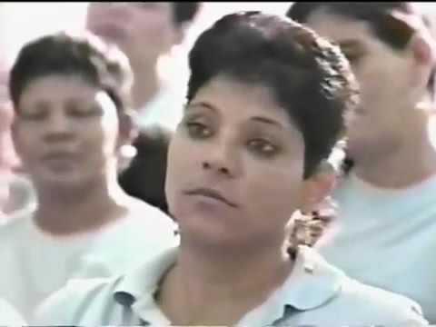 Yiye Avila Predicando En La Carcel De Mujeres