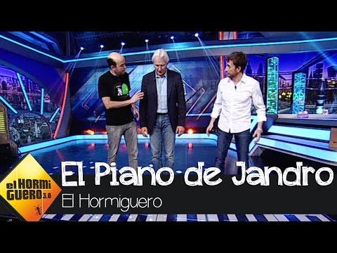 Jandro toca el piano gigante con Richard Gere - El Hormiguero 3.0