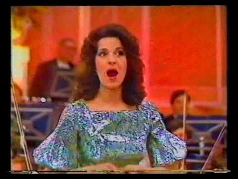 Angela Gheorghiu - Anna Bolena: Piangete voi... Al dolce guidami - Radio Hall Bucharest