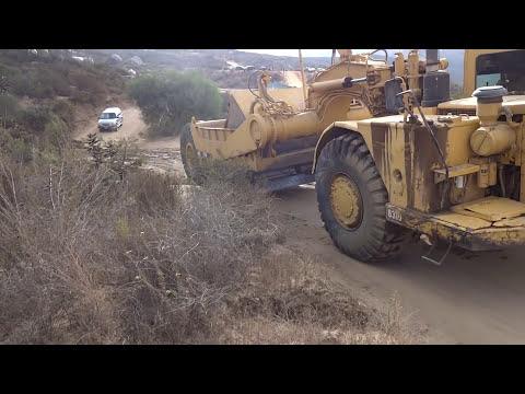 Baja 1000/ Coche Aplastado por maquinaria pesada ''Accidentalmente''