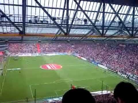 FC Kaiserslautern - FC Bayern München 0:3 27.08.11 ...