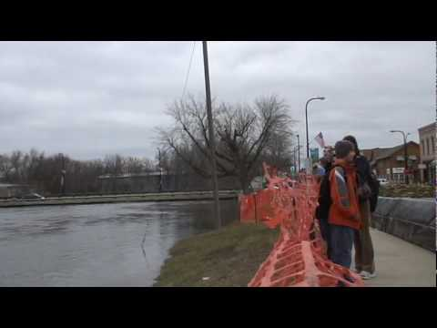 Crow river flooding in Delano, MN 3/19/2010