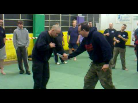 Kapap sheffield knife defence demo.mp4 Image 1