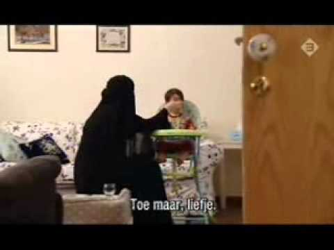 Saudi Wife Shows us into her Home part1