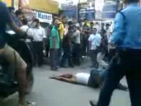 Man Battles Wit Nepali Cops In Thamel, Kathmandu video