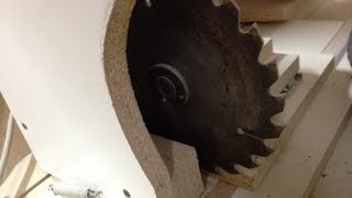 DIY lathe using saw
