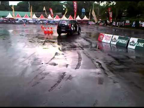Avanza Slalom DWI BSC wie Slalom Team Gymkhana Jakarta 2012
