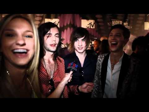 Hot Chelle Rae Confess Most Random Song On Their iPod at 2011 MTV VMAs Music Videos