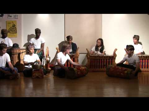 Buxton School Gamelan 2009 Part 1