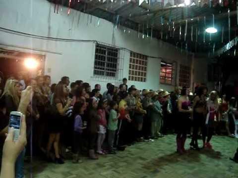 Quadrilha Maluca Vila S�o Pedro Desfile