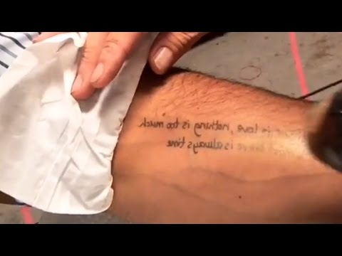 Justin Baldoni Covers His Tattoos For Jane The Virgin
