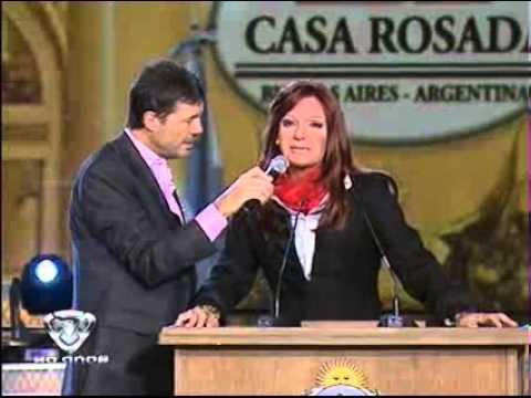 Mart ín Bossi como CFK en cadena Nacional