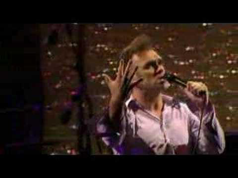 Morrissey - Everyday is like Sunday (Live 2004)