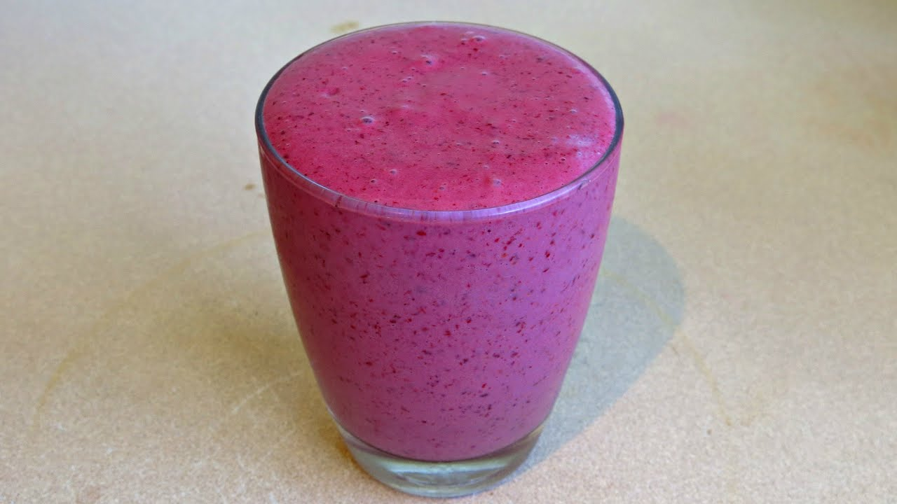 BLACKBERRY CINNAMON SMOOTHIE RECIPE - YouTube