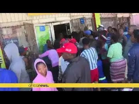 5 D e a d in South African Riots that Spur Cries of Xenophobia