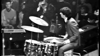 Watch Beatles I Want To Hold Your Hand video
