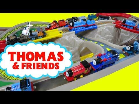 THOMAS AND FRIENDS TAKE N PLAY ISLAND OF SODOR TRAIN TRACK PLAYSET VICTOR GORDON JUGUETES