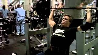 John Hansen Trains Shoulders