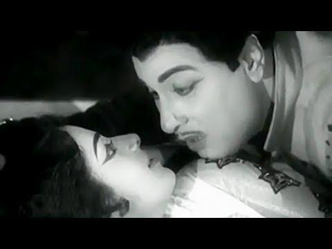Paruvathil Konjam - MGR, KR. Vijaya, Shaukar Janaki - Superhit Tamil Song - Panam Padaithavan