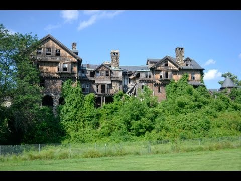 Urban Exploration: Abandoned College for Girls - NY