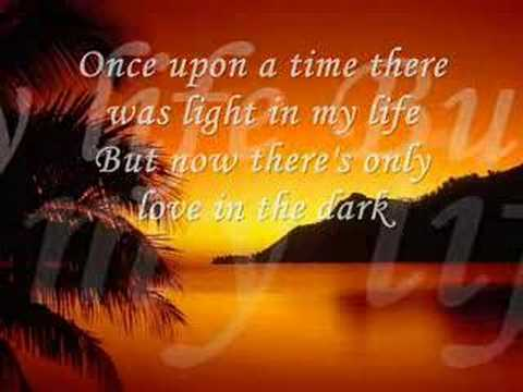 Bonnie Tyler - Total Eclipse Of The Heart video