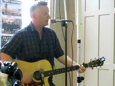 Billy Bragg -- I Keep Faith (Live)