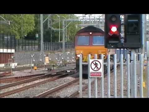 Various trains at Milton Keynes Central station on a warm sunny afternoon on Friday 5th August, filmed between 15:15 & 16:35! INCLUDES: 2x Freightliner 90's,...