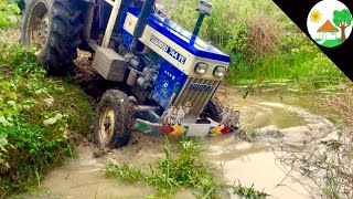 Risk way Canal / swaraj 744 Fe tractor Can't released and Stuck John deere tractor - Come to village