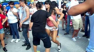 Dia Nacional de la Salsa 2011, Bailando Salsa.