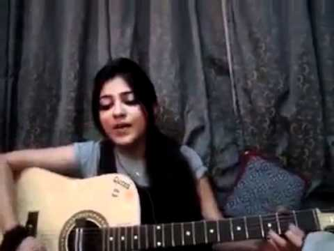 Pakistani Girl singing a song Music Videos