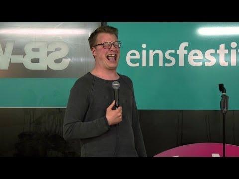 Maxi Gstettenbauer über Beziehung, Videospiele und verlorne Penisbilder - NightWash live
